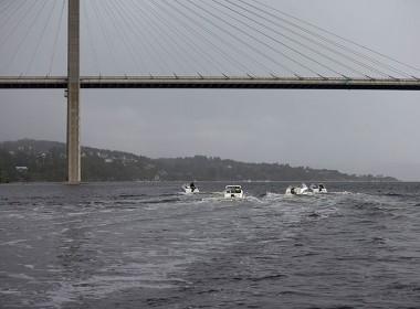 AMT-båtar-under-bro